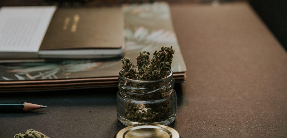 La consommation de cannabis est maintenant légale, y a-t-il un impact sur votre assurance vie ? Pas du tout.